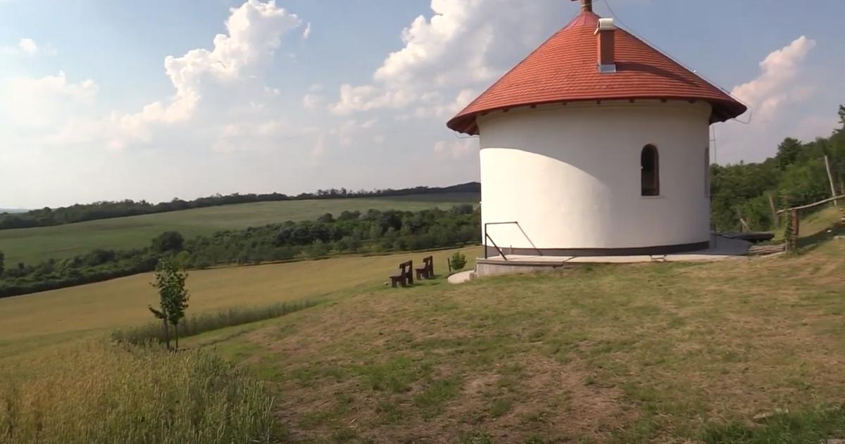 Isten háza Galgamácsán